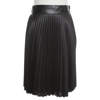 Karen Millen skirt in black