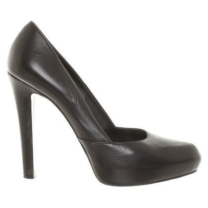 Givenchy Black leather pumps