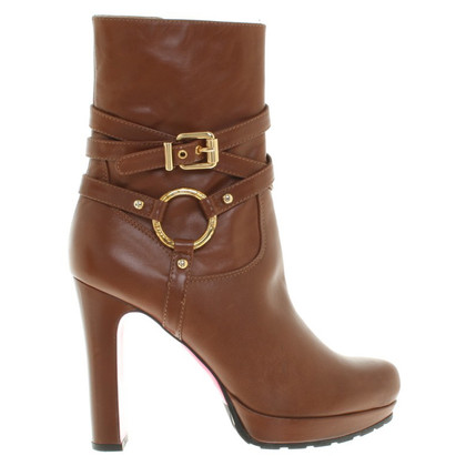 Luciano Padovan Short leather boots in brown