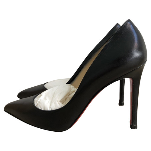 brand new 926e0 e6312 Christian Louboutin Pigalle Leather in Black - Second Hand ...