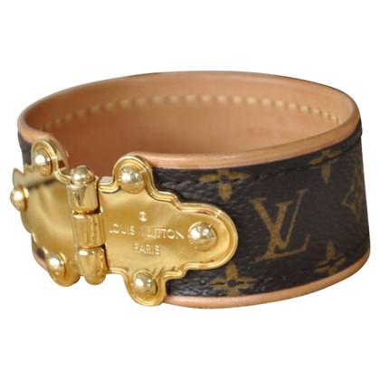 Louis Vuitton SAVE IT M6611E