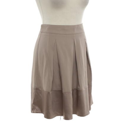 Atos Lombardini skirt in taupe
