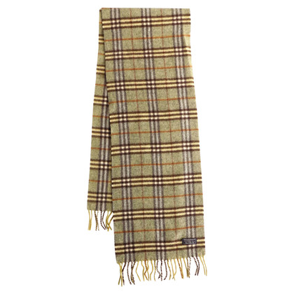 Burberry Green scarf with tartan