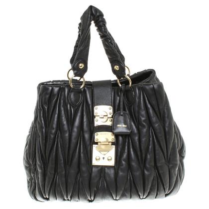 Miu Miu Leder-Handtasche in Schwarz