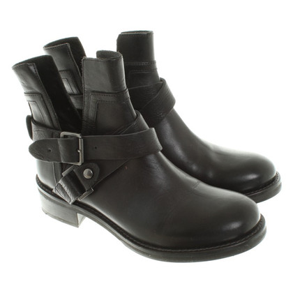 Hugo Boss Boots in zwart
