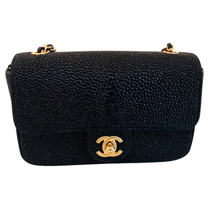 "Chanel ""Classic Flap Bag Extra Mini"" aus Rochenleder"