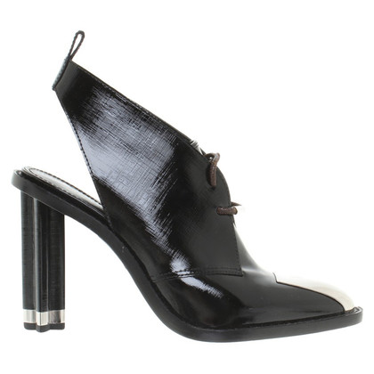 Louis Vuitton pumps met veters