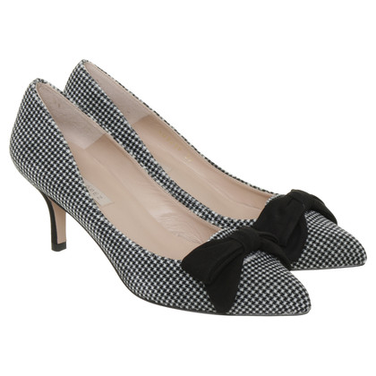 Pura Lopez Pumps with bow