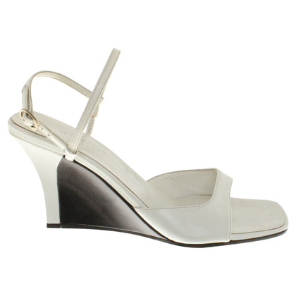 Gucci Leather Wedges in het wit