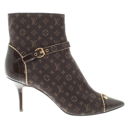 Louis Vuitton Boots with Monogram pattern