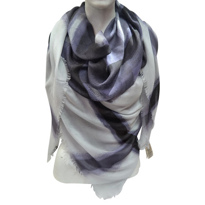 Burberry Cloth with silk