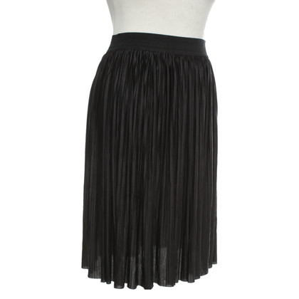 Moschino Love Pleated skirt in black