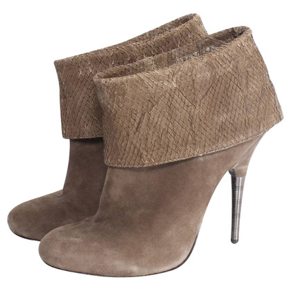 Elizabeth & James Brown suede boots