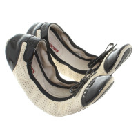 Prada Ballerinas in cream / black