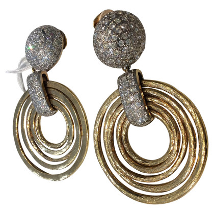 Valentino oor clips