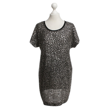 Pinko T-shirt with sequins