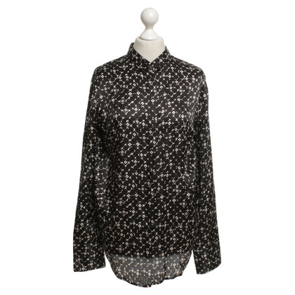 Other Designer 0039 Italy - Blouse with a floral pattern