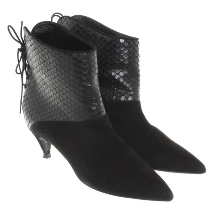 Saint Laurent Leather ankle boots in black