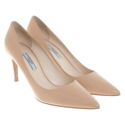 Prada pumps in Nude