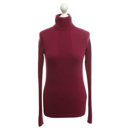 Hugo Boss Turtleneck in fuchsia