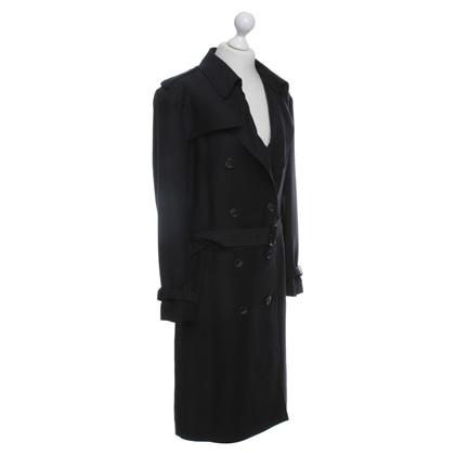 Closed Trenchcoat in zwart