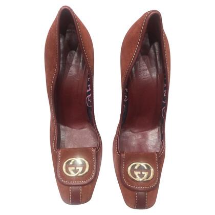 Gucci pumps in marrone