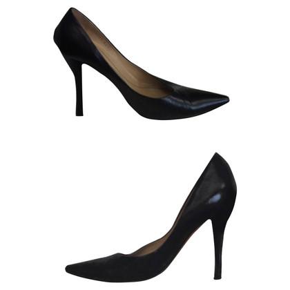 Yves Saint Laurent pumps