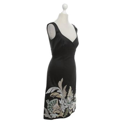 Karen Millen Dress in black with embroidery