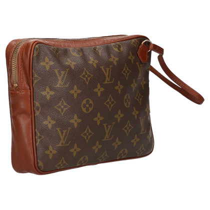 Louis Vuitton Pochette inMonogram Canvas