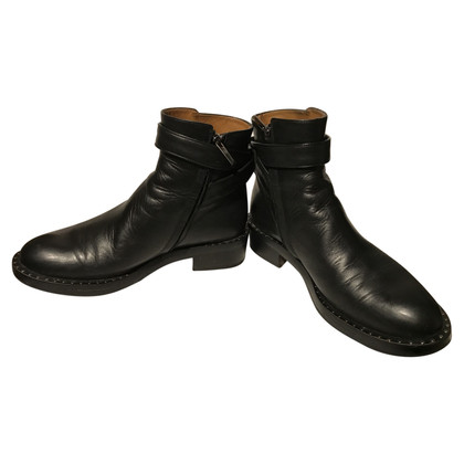 Schumacher Boots with studs