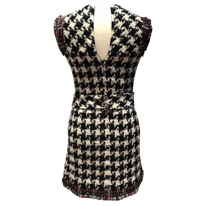 Chanel Kleid mit Hahnentritt-Muster