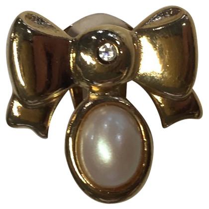 Nina Ricci ear clips