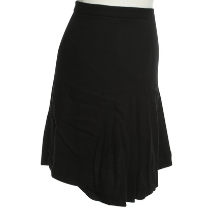 Chanel A short pleated skirt in black