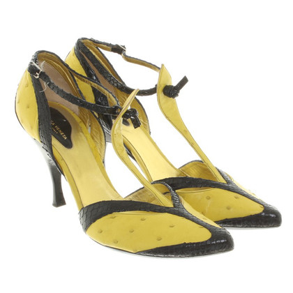 Bottega Veneta pumps in nero / giallo