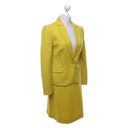 Hugo Boss Costume in mustard yellow