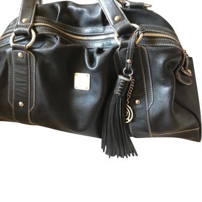 bd7c093564609 MCM Handtasche aus Leder in Schwarz