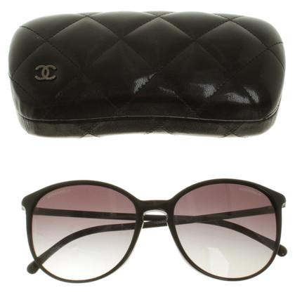 Chanel Sunglasses in black