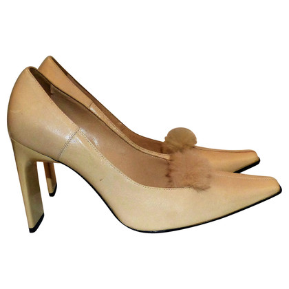 Casadei Pumps mit Fellbommel