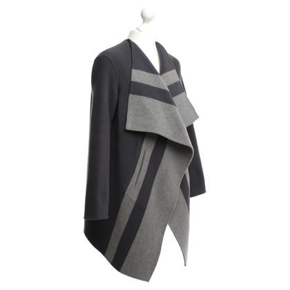 Closed Coat in grey