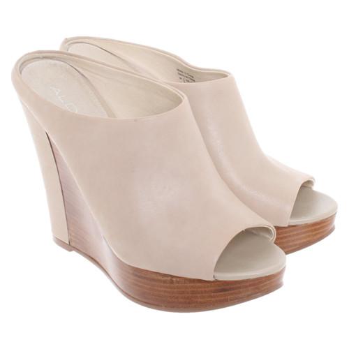 7c6ce4adeab Aldo Chaussures compensées en Cuir en Beige - Acheter Aldo ...