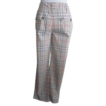 Burberry pantaloni estivi.