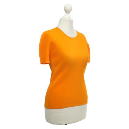 Pleats Please T-shirt in orange