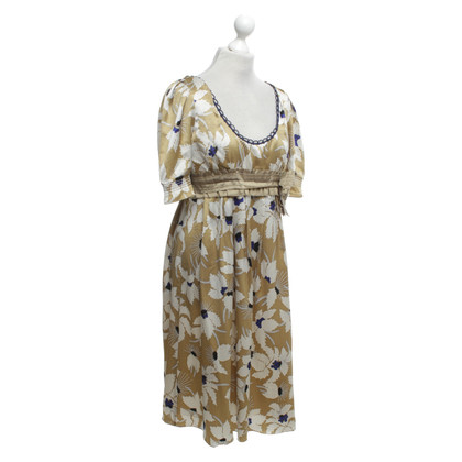 Vera Wang Silk dress with a floral pattern