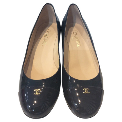 Chanel Pumps aus Lackleder