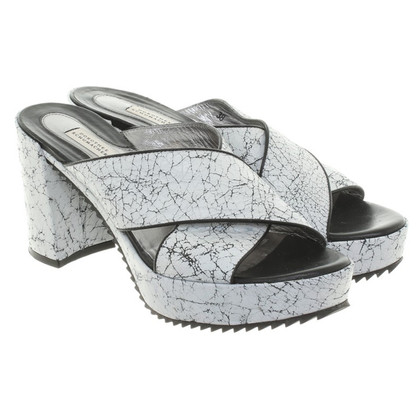 Dorothee Schumacher Mules in black / white