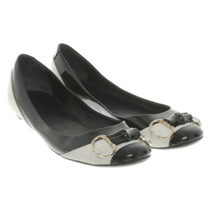 Gucci Ballerinas in black and white