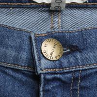 Current Elliott stonewashed jeans