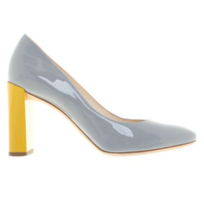 Fendi pumps with different color heel
