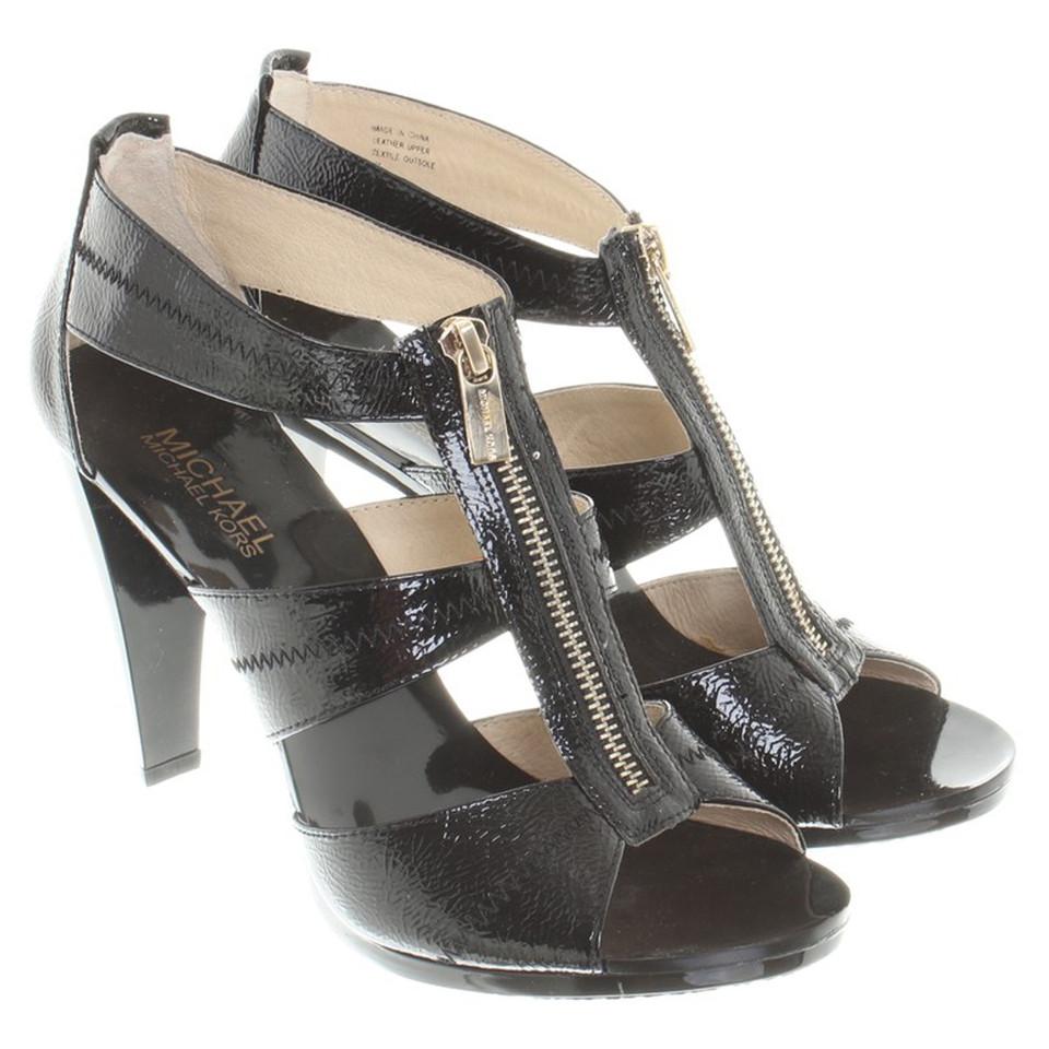 michael kors sandaletten aus lackleder second hand michael kors sandaletten aus lackleder. Black Bedroom Furniture Sets. Home Design Ideas