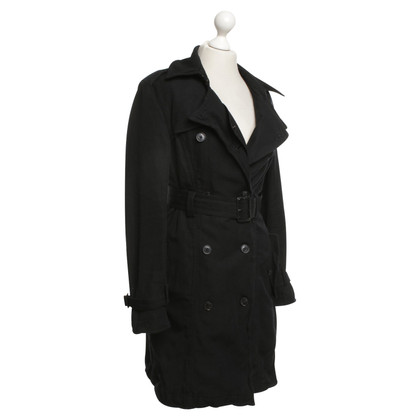 All Saints Trenchcoat in Schwarz